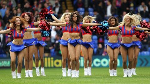 Crystal Palace bị rớt hạng do các... hoạt náo viên