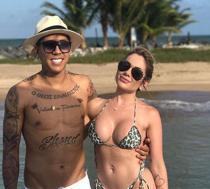 Roberto Firmino và cô vợ Larissa
